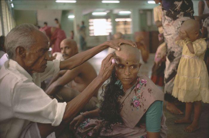 Избавляясь от привязанностей. Многие люди с большим трепетом относятся к своим прическам. Монахи джа