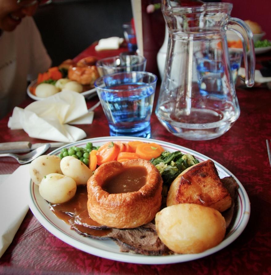 10. Англия Национальным блюдом в Англии является ростбиф с йоркширским пудингом.