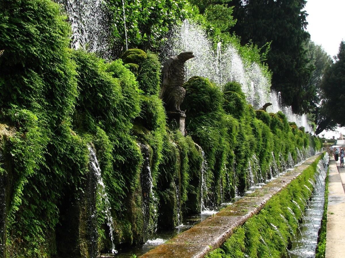 18. Прогуляйтесь по пышным садам Виллы д'Эсте в Тиволи, Италия.