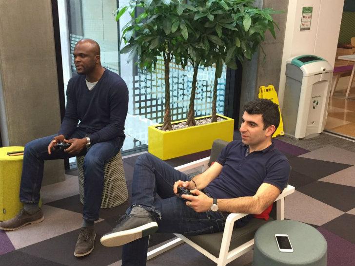 По словам технического директора Лиз Эстоу, в компании пытаются воссоздать атмосферу игры для взросл