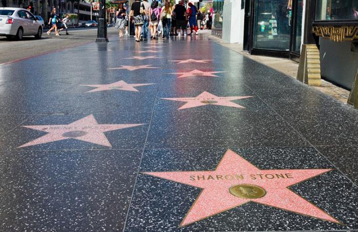 Аллея славы, Голливуд  В Голливуде есть много туристических достопримечательностей, которые