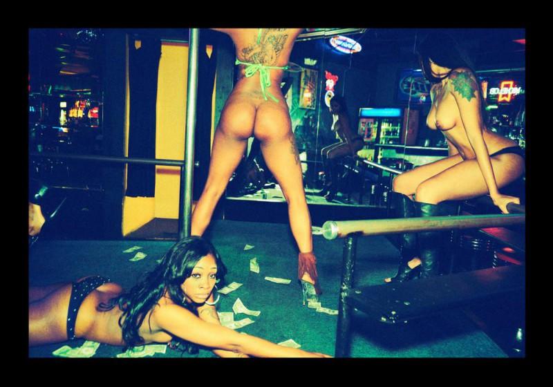 Грязные танцы: как проходят тусовки рэперов в стриптиз-клубах Атланты (11 фото) 18+