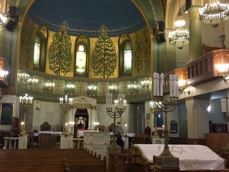 В столицеРФ мужчина впроцессе конфликта сохранником пытался сжечь синагогу