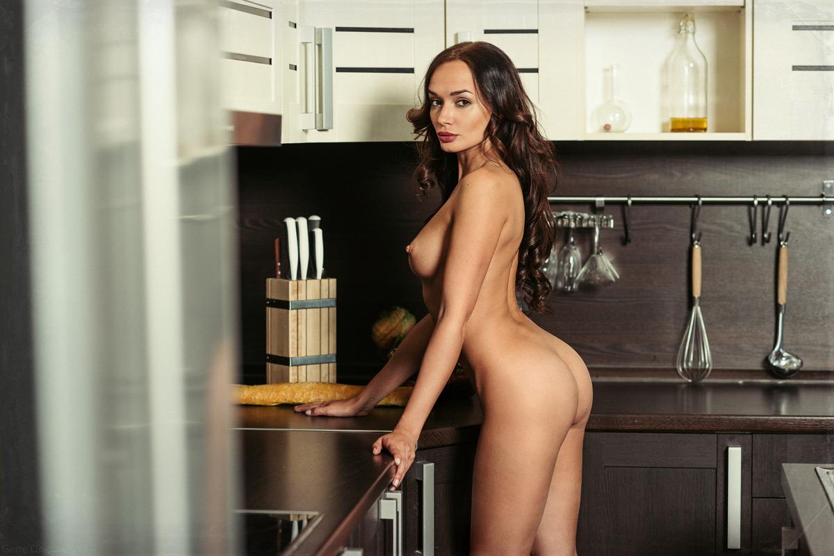 Голые На Кухне Фото