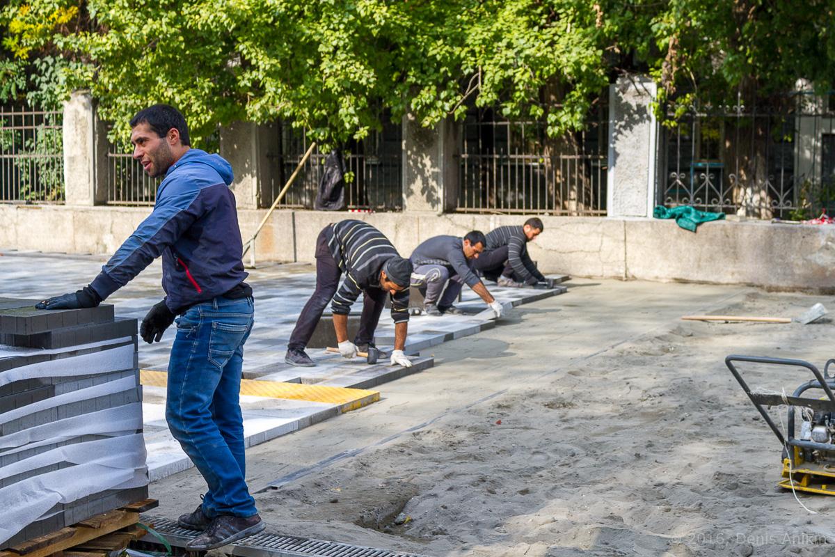 Строительство пешеходной зоны Саратов фото 8