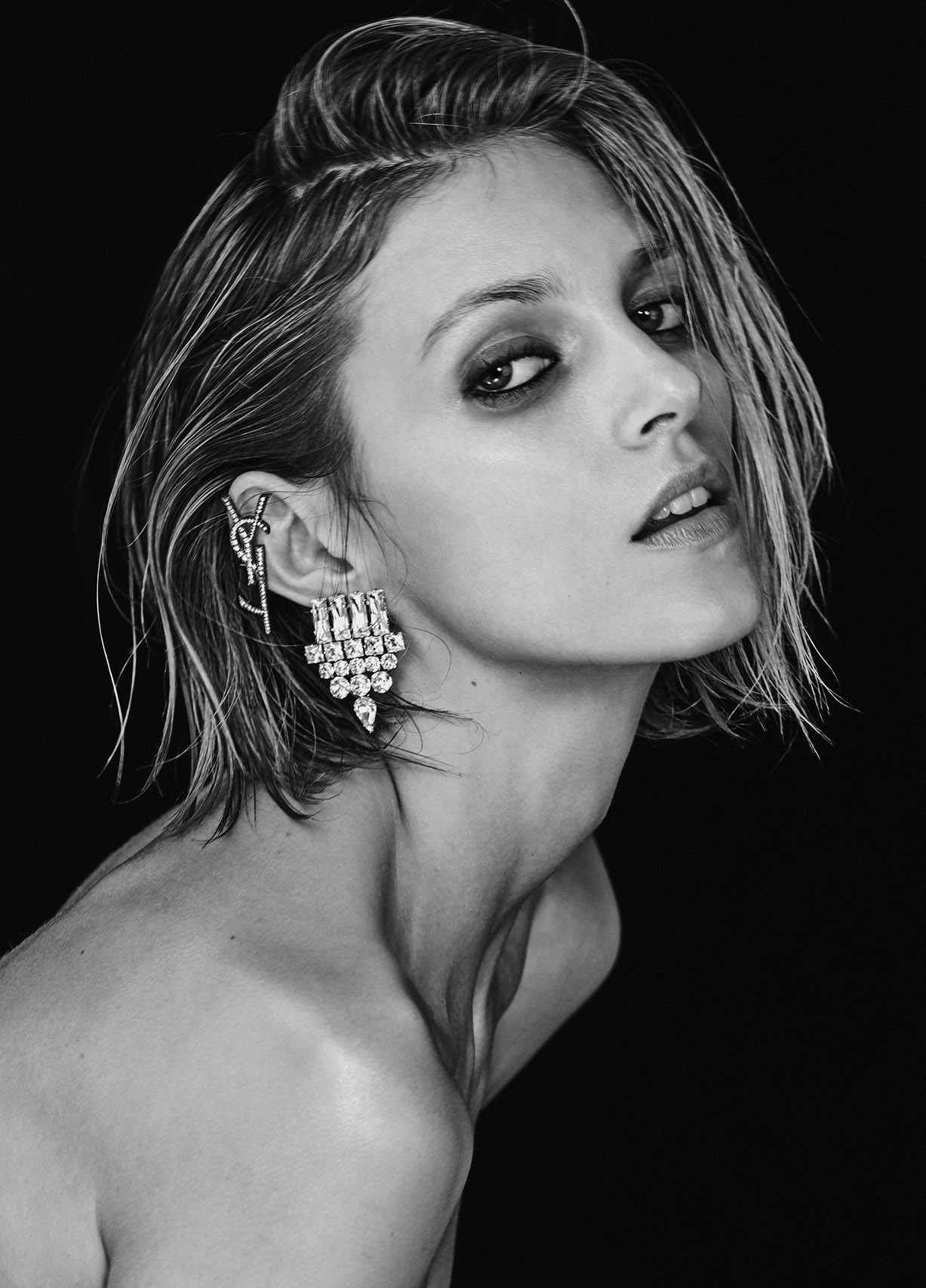 Аня Рубик / Anja Rubik by Chris Colls - Vogue Ukraine february 2017
