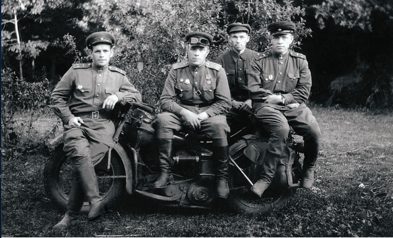 Действующая армия. Освобождение Украины. Командный состав 63-й гвардейской Челябинской добровольческой танковой бригады
