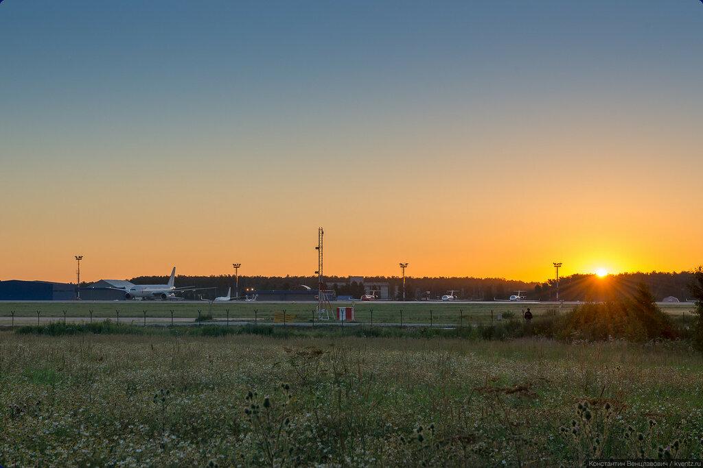 Восход на перроне Домодедово