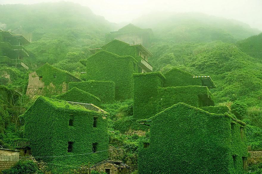 Заброшенная рыбацкая деревня, Китай.