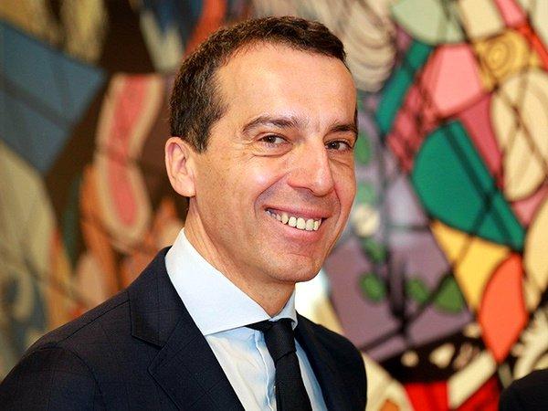 Канцлер Австрии предложил закончить переговоры овступлении Турции в EC