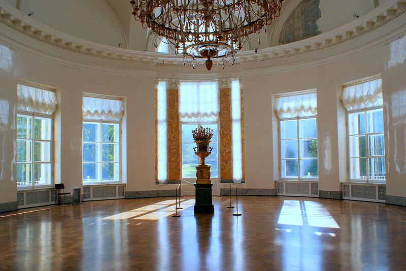1909 Полукруглая зала Александровского дворца в Царском Селе2.jpg