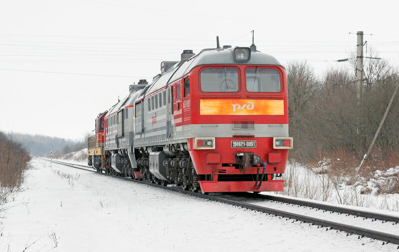ЧМЭ3-6851 и 2М62У-0091 на перегоне Залегощь - Дишня