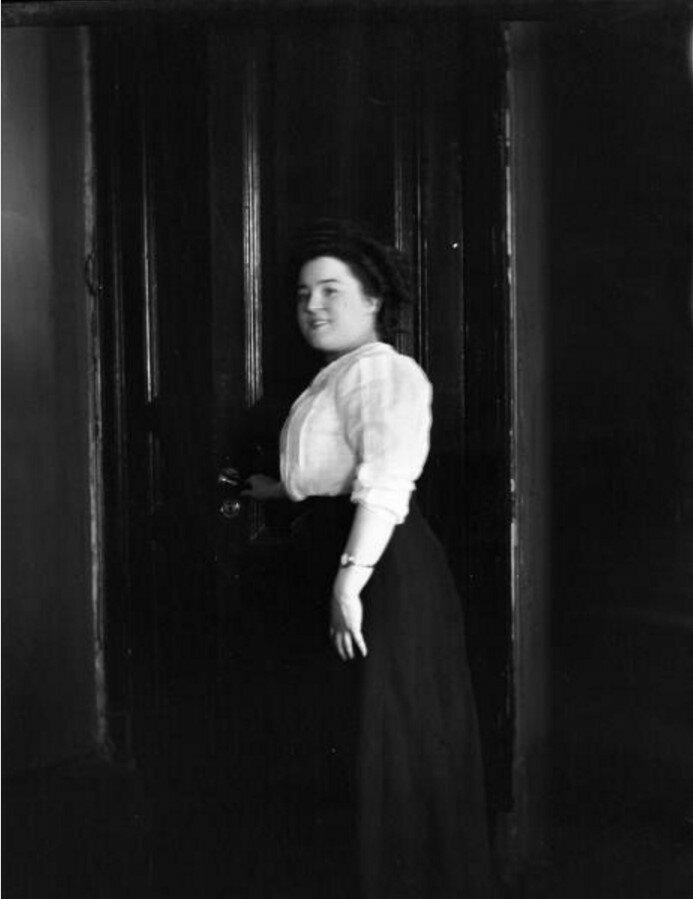 1911. Женский портрет
