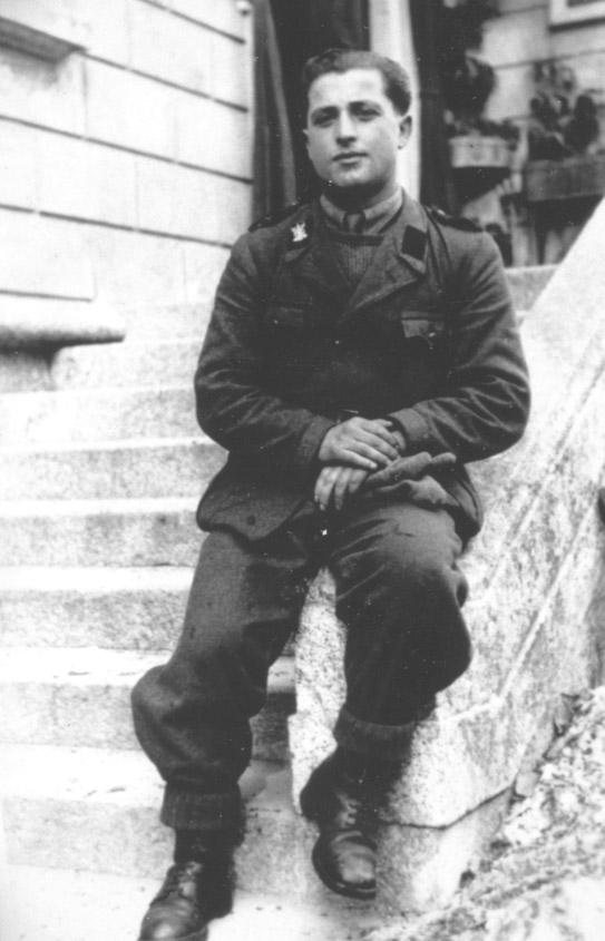 italian-ss-legionere-resting.jpg