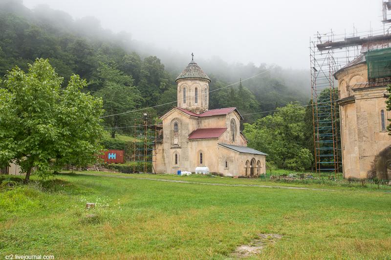 Грузия. Монастырь Гелати