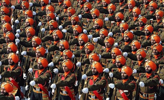 2. На 9-м месте находятся Вооруженные силы Индии с численностью 1,3 миллиона человек.