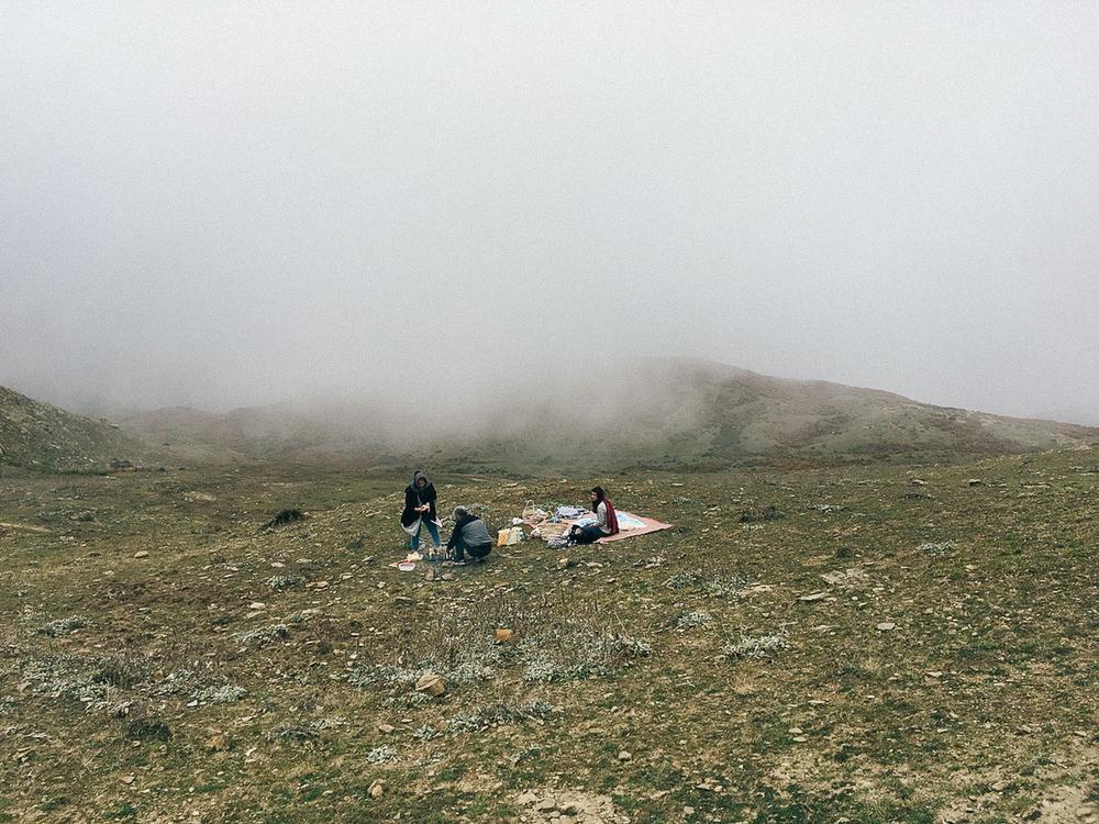 Филбанд, провинция Мазендеран. «Иранцы обожают устраивать пикники. В стране, которую преследует ужас