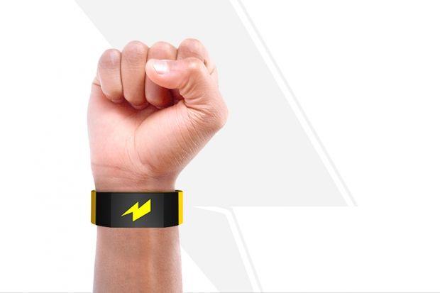 Браслет-электрошокер Pavlok «Избавим от вредных привычек всего за пять дней». Это обещание — первое,