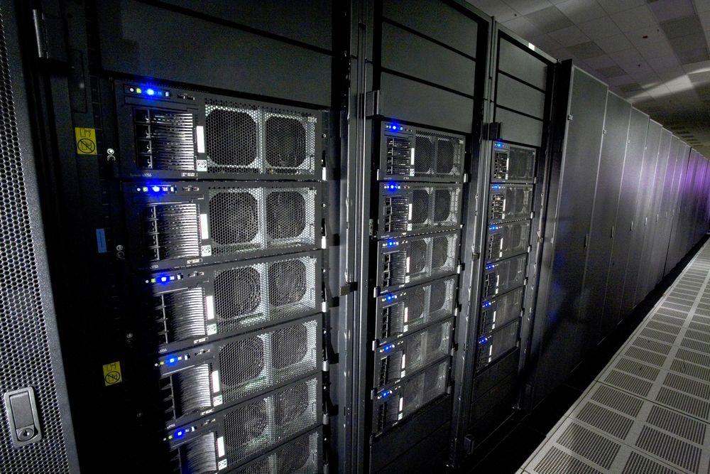 1. IBM Roadrunner (США) — 130 млн долларов Roadrunner был построен IBM в 2008 году для Национальной