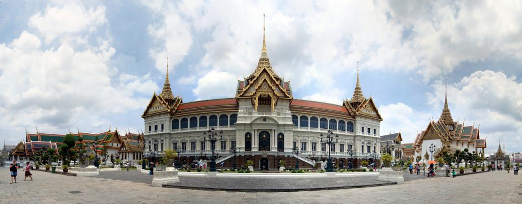 Таиланд. Бангкок. Большой дворец является резиденцией Пхумипона Адульядета. (Efendi Kwok) Дворец