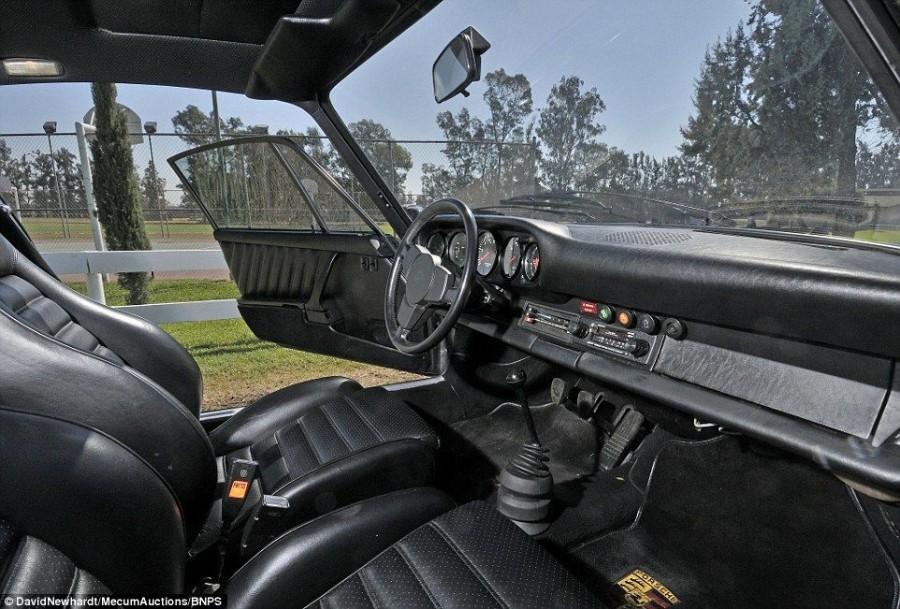 2. Этот автомобиль уникален тем, что обладает трехлитровым двигателем мощностью 234 лошадиных сил, а
