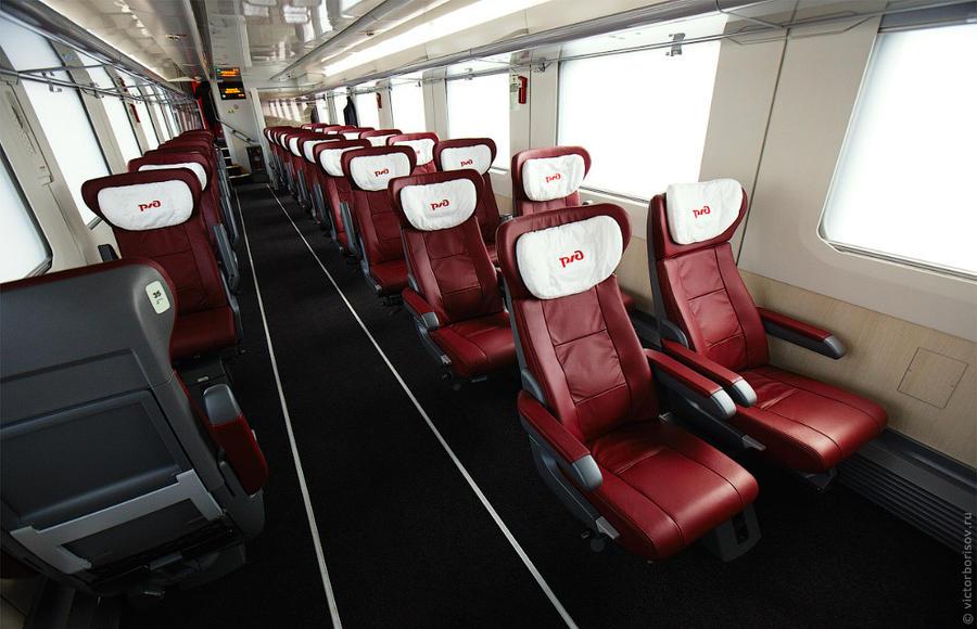 7. Итак, первый этаж в вагоне первого класса. Компоновка 2+1. Кстати, дизайн интерьеров разрабатывал