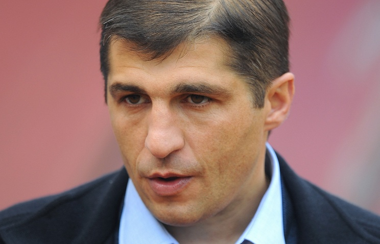 Футболисты «Енисея» отговорили Тетрадзе подавать вотставку