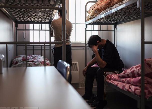 Всочинском центре временного содержания для мигрантов неменее ста человек объявили голодовку