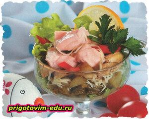 Рыбный салат-коктейль с сыром