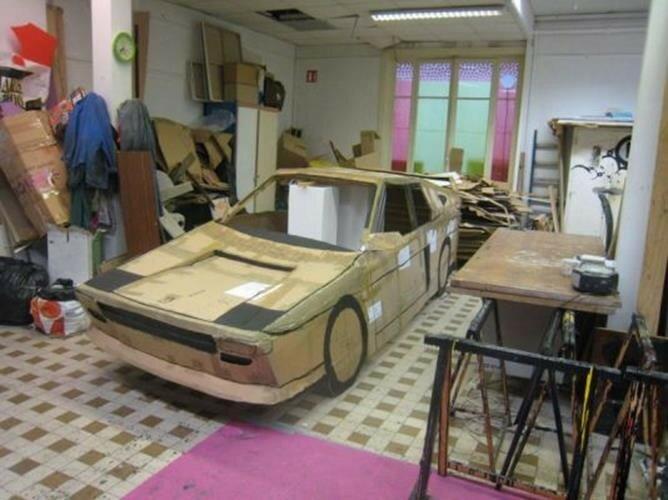 Дамский автомобиль превратили в Ferrari. Фото и видео
