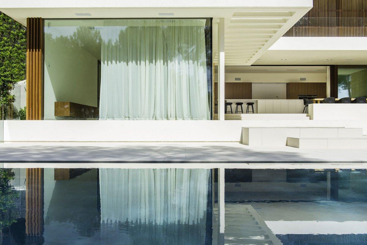 Project T, Juma Architects, частные дома в Испании, обзор частного дома фото, обзоры двухэтажных домов фото, бассейн на террасе фото, дома в Испании