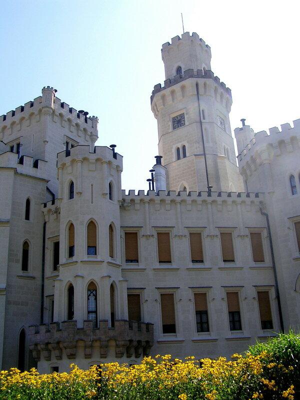 Главная башня Глубоки-над-Влтавой