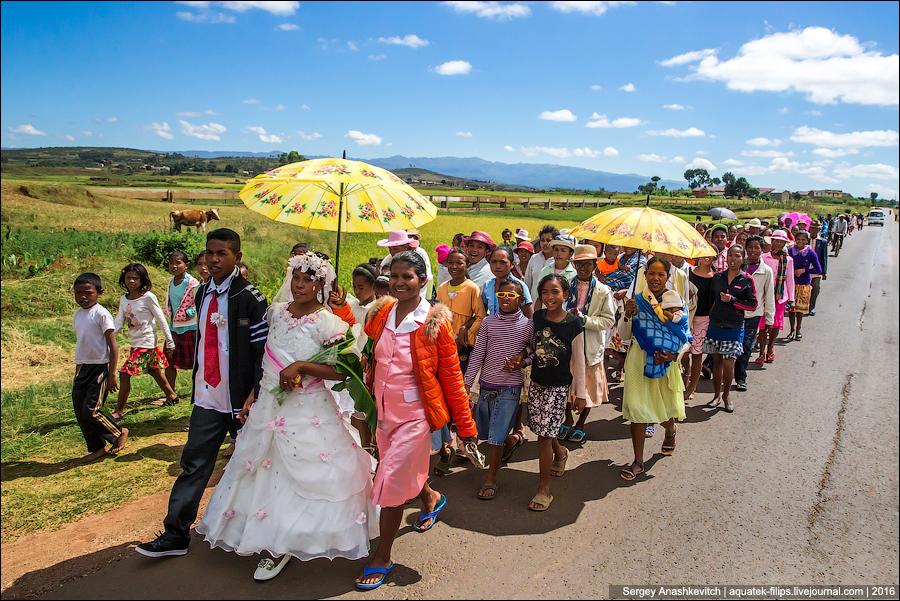 Как выглядит треш-свадьба