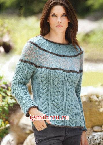 Пуловер с круглой кокеткой из норвежского узора и плотными косами. Вязание спицами
