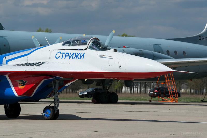 Микоян-Гуревич МиГ-29 (30 синий)