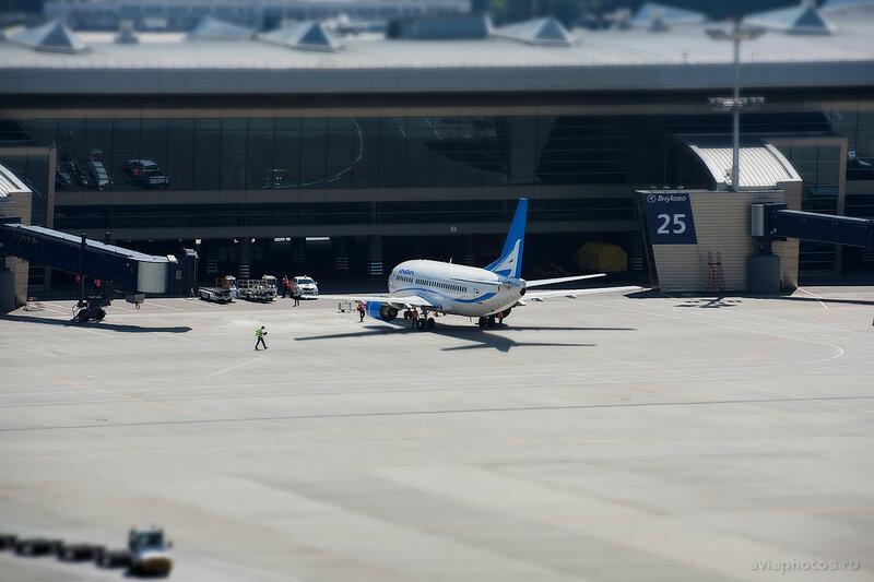 Boeing 737-505 (EK73736) Armenia 019_D703429