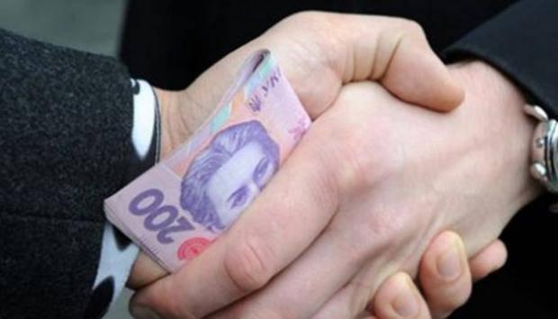 """Еще один городской голова """"сгорел на работе"""" - 50 тыс. гривен """"обожгли"""" руки и жизнь"""