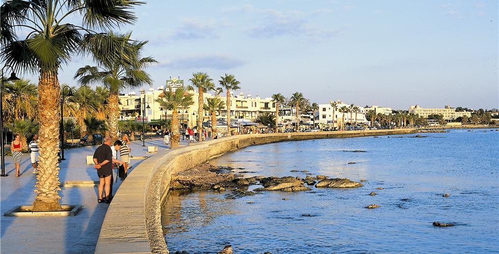Самыми популярными курортами у россиян в этом году стали Кипр и Греция