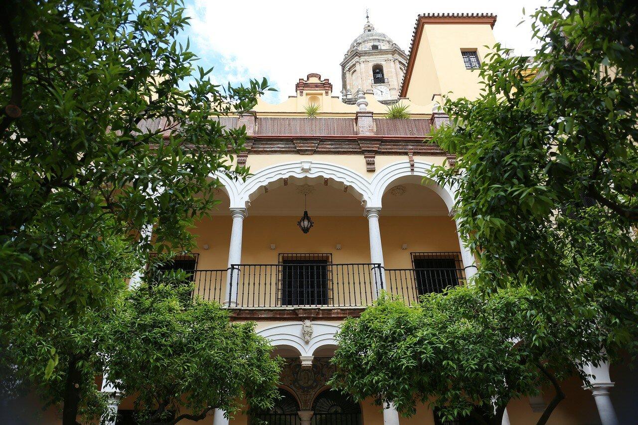 Малага. Епископский дворец (Palacio Episcopal). Внутренний двор