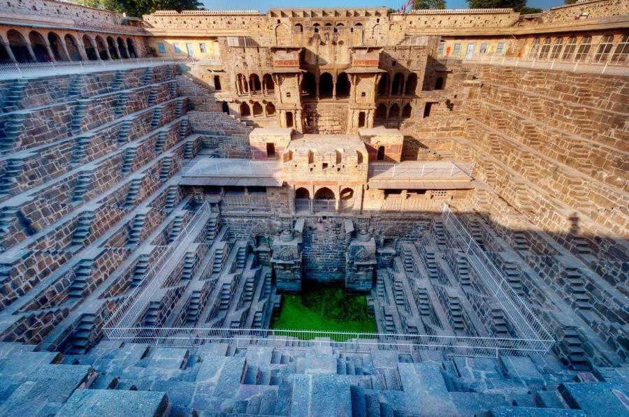 5. Архитектурный комплекс Чанд Баори, расположенный в маленькой индийской деревушке Абанери, являетс