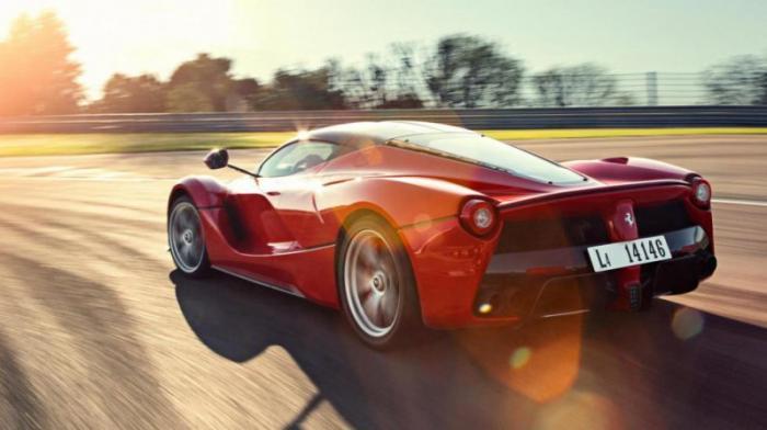 Ferrari LaFerrari: 0-100 км/ч за 2,9 с Конечно, со всеми фантастическими цифрами по динамике LaFerra