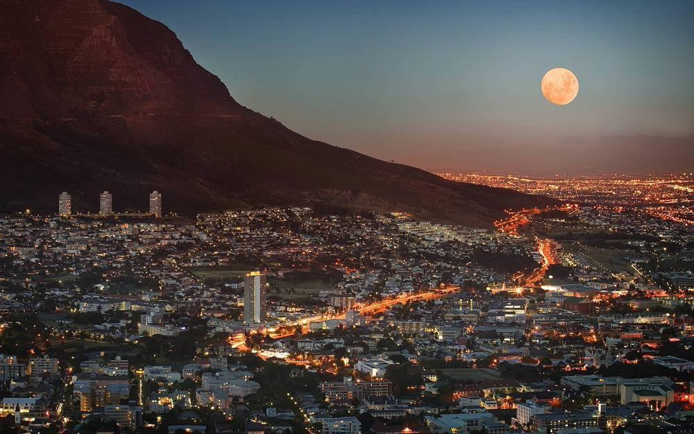 21. Город является одним из самых многонациональных в Африке. И даже сегодня здесь можно увидеть сле