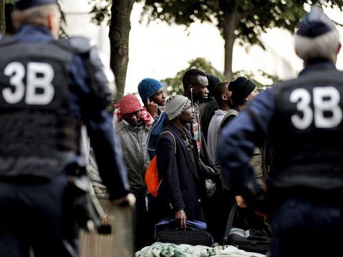 СМИ поведала оцелях операции, проводимой встолице франции влагере мигрантов