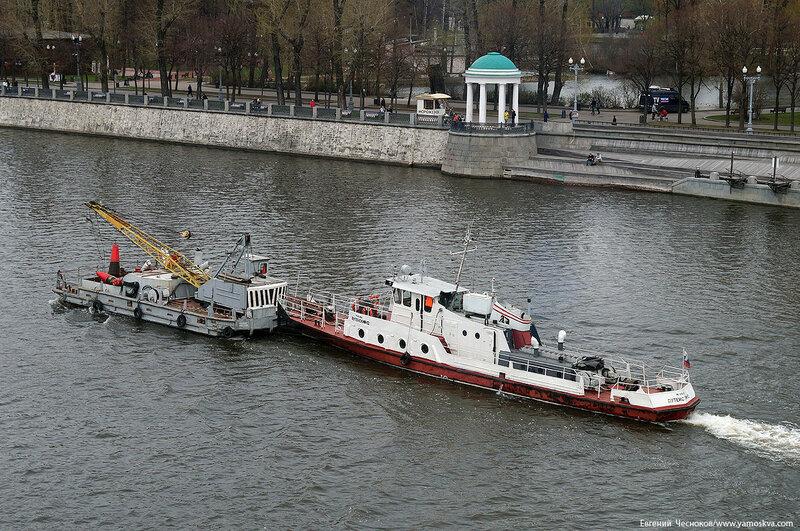 38. Москва река. 22.04.16.05..jpg