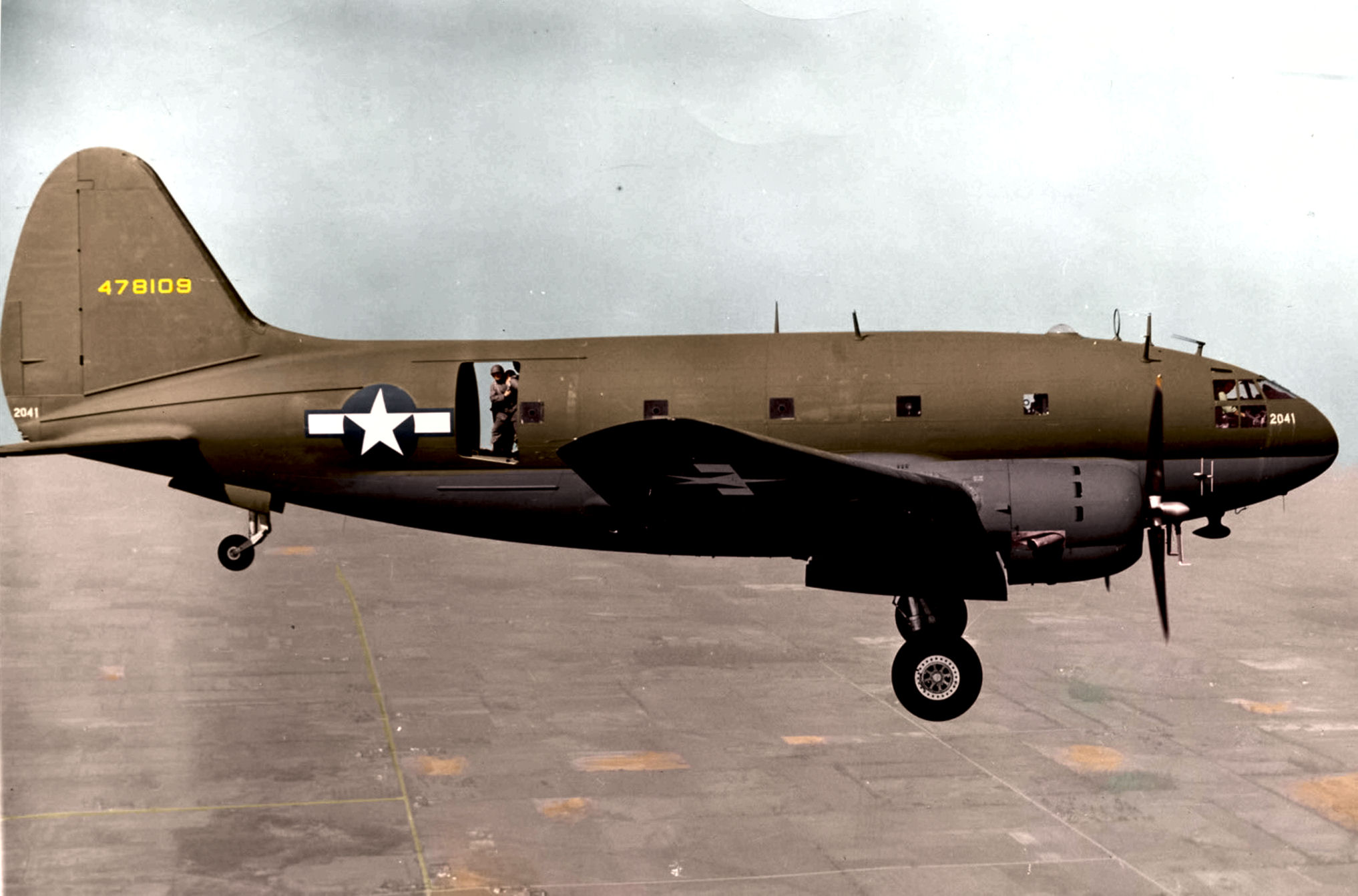 curtiss-c-46-commando-transport-06.jpg