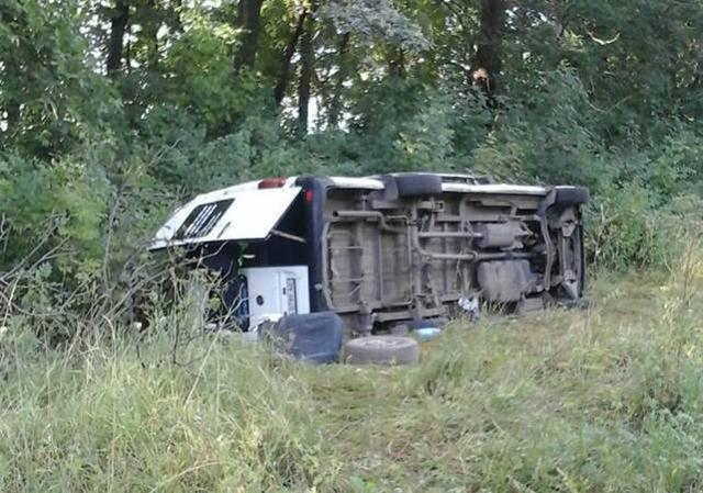 Микроавтобус с паломниками перевернулся на Хмельнитчине. Все пострадавшие доставлены в больницу, - Нацполиция. ФОТО