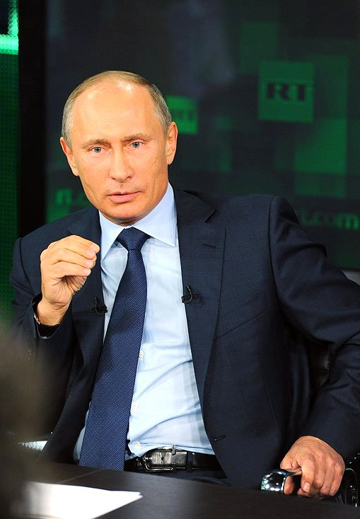 Vladimir_Putin_-_Visit_to_Russia_Today_television_channel_11.jpg
