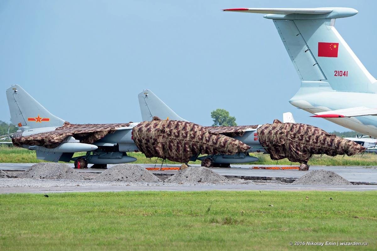 Су-24 против JH-7