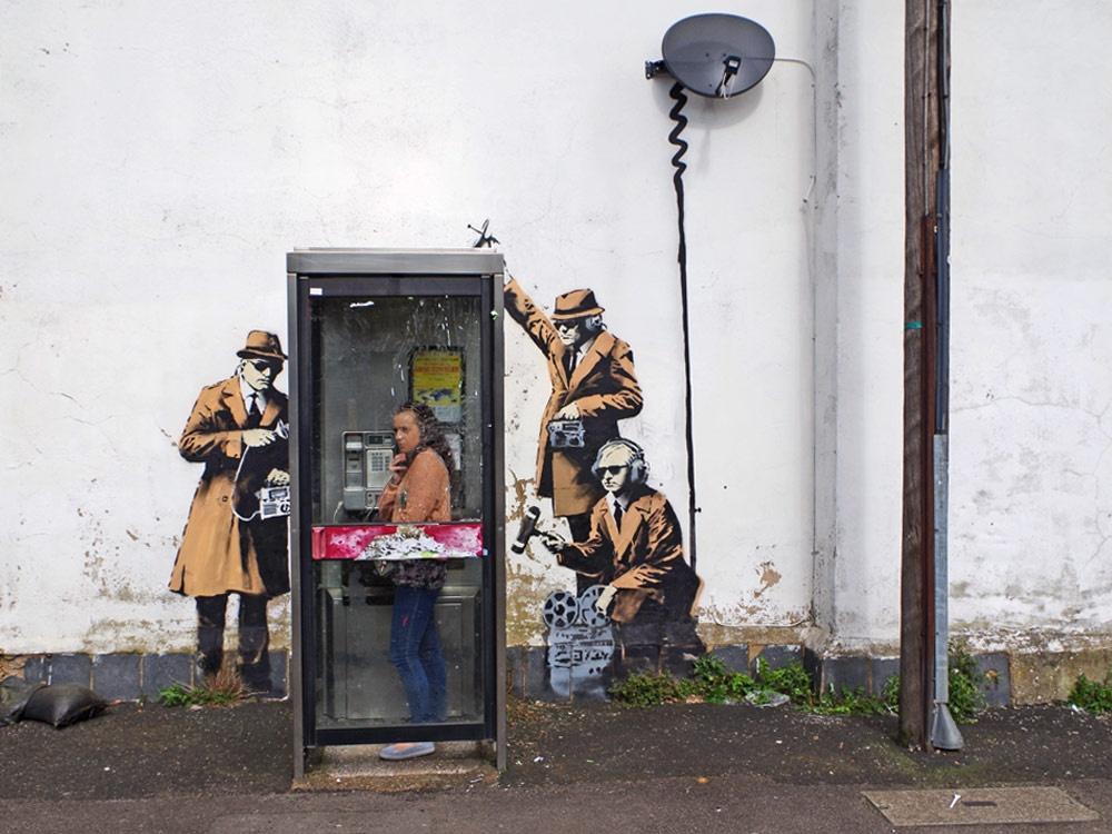 © banksy   Майами, США Kobra , «Остановите войны»