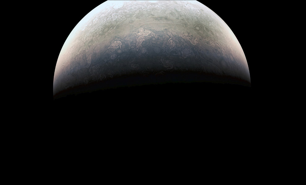 17. Кольца Сатурна. Сегодня известно, что у всех четырёх газообразных гигантов есть кольца, но